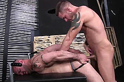 Marco Cruise, Shane Frost in Shane Fucks Without a Condom by