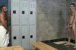 Braxton Smith, Jimmie Slater in Shower Voyeur Braxton Smith by